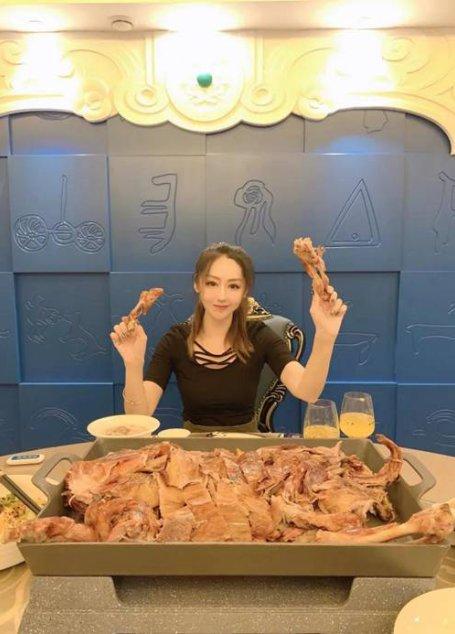 要想秋季养生保健好,秋膘就该来这贴–蒙宴·烤全羊主题餐厅